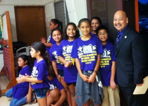 Haleiwa Elementary School students with Council Chair Ernie Martin.